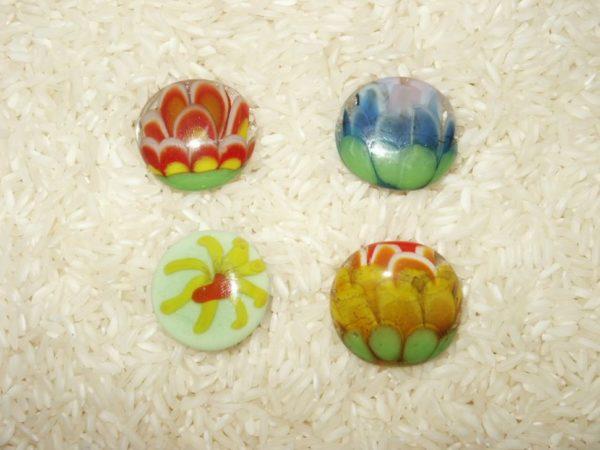 Bagues fleurs aux pétales multicolores