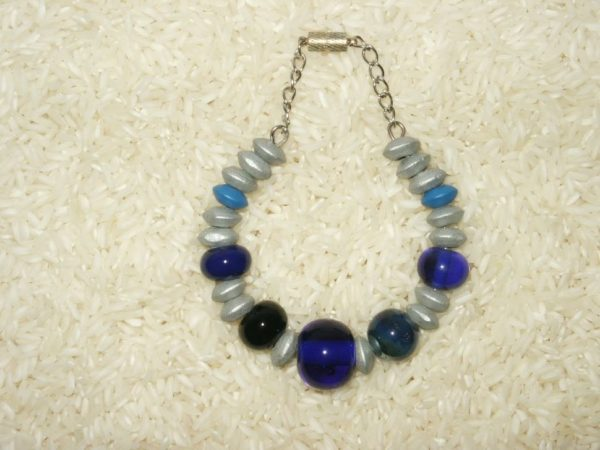 Bracelet mémoire de forme avec perles faites main filées au chalumeau