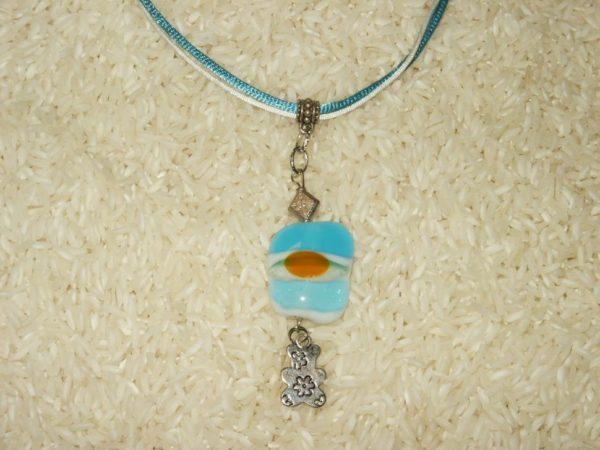 collier pendentif sur fil coton