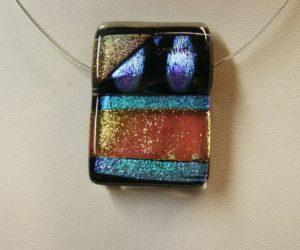 Colliers pendentifs verre dichroïque