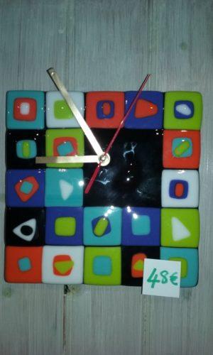 Horloge petits carrés
